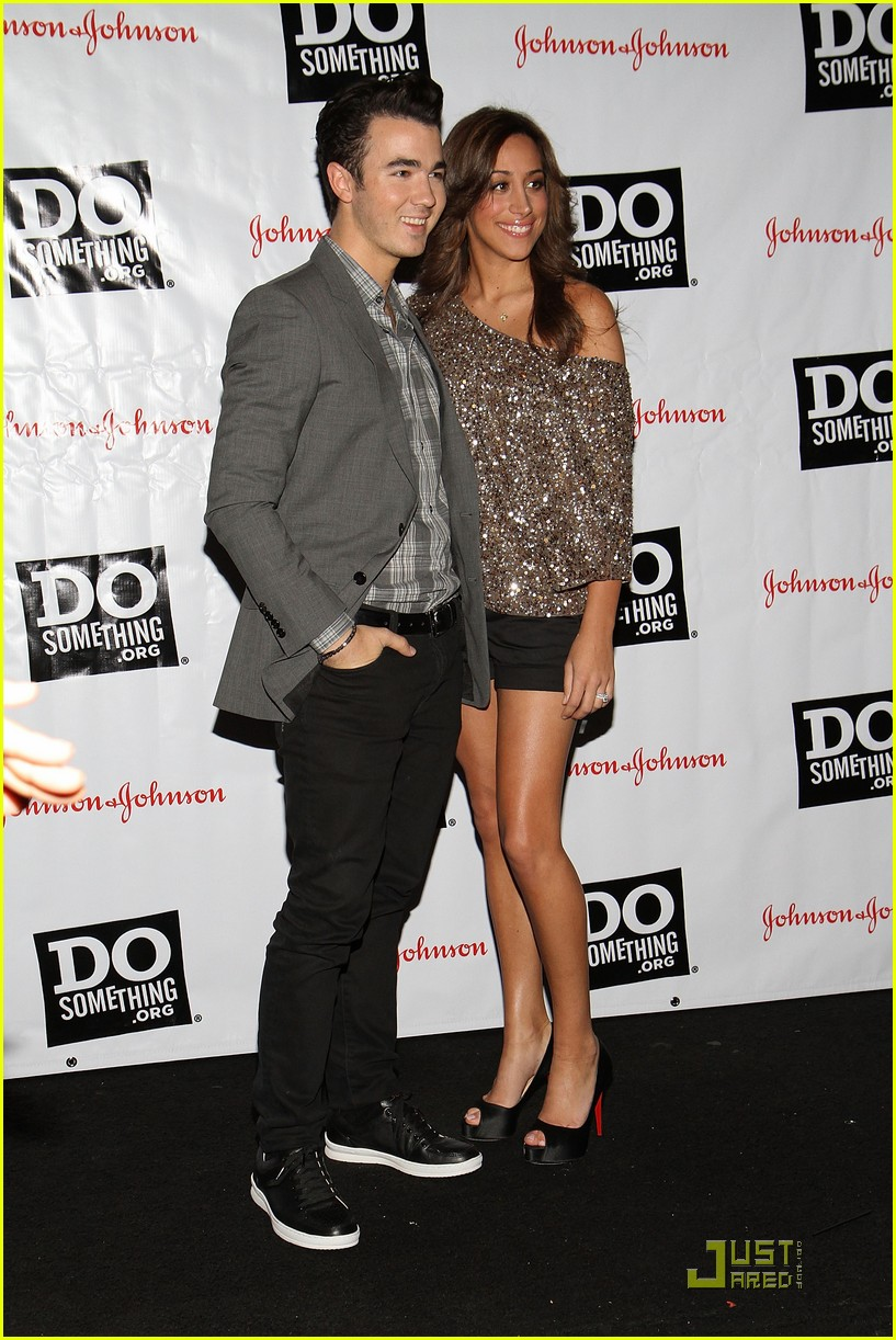 kevin danielle jonas do something 09