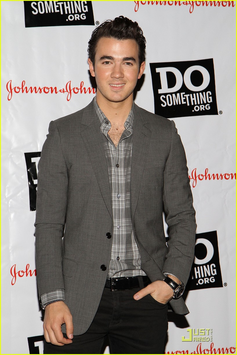 kevin danielle jonas do something 11