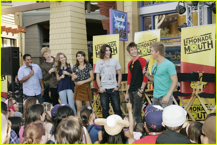 lemonade mouth disneyland 10