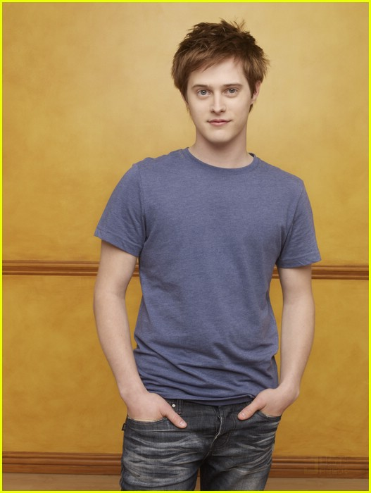 lucas grabeel switched birth 02