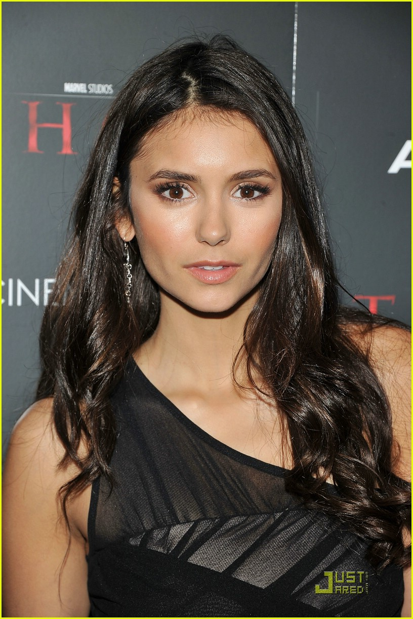 nina dobrev beauty salon stop 12