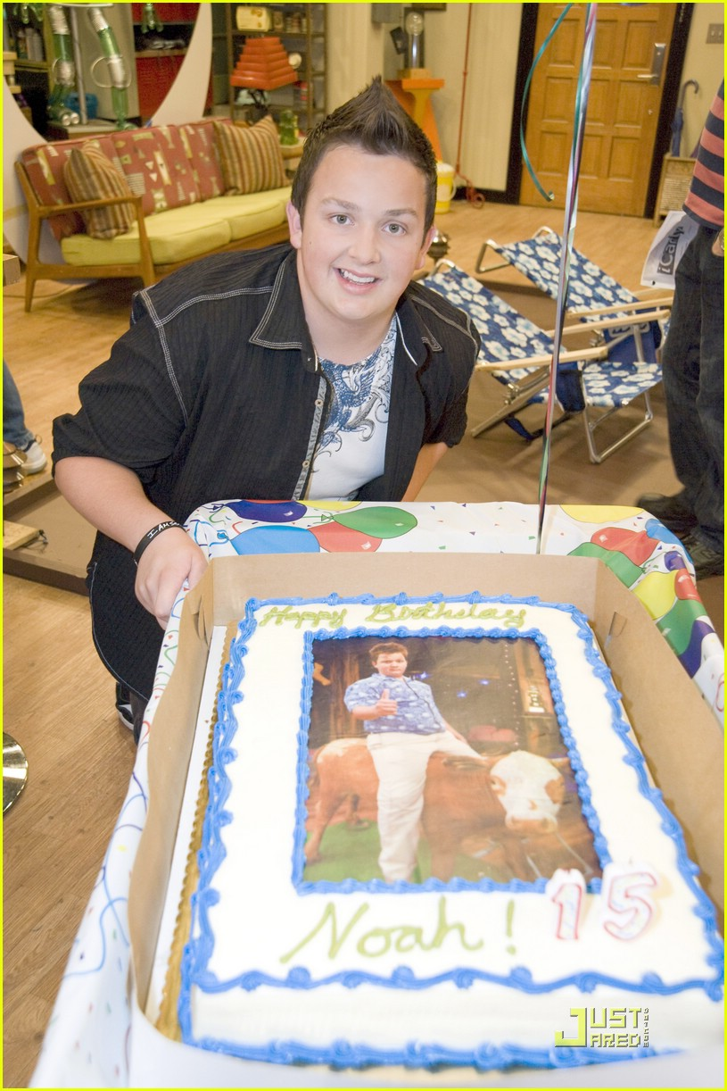 noah munck bday set 01