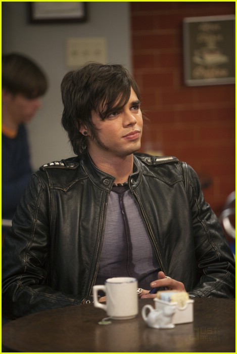 reid ewing luck charlie 02