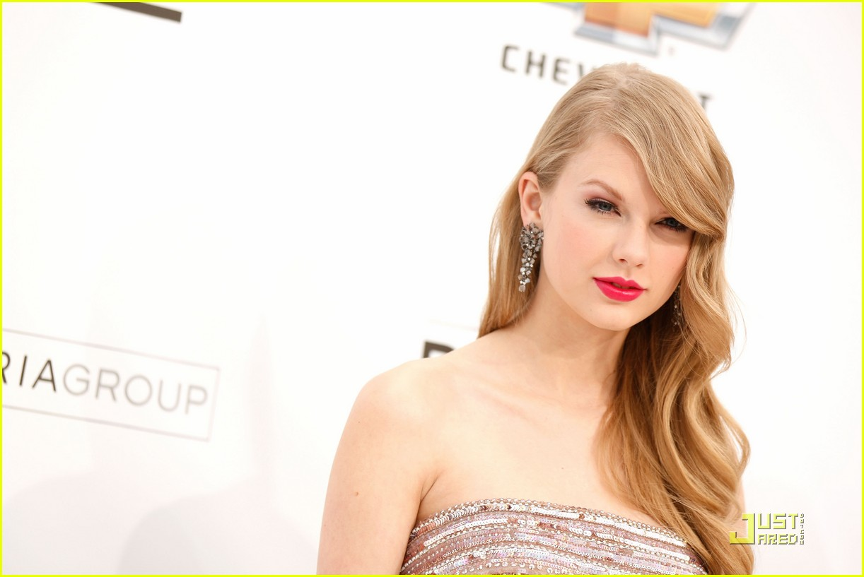 taylor swift billboard awards 08