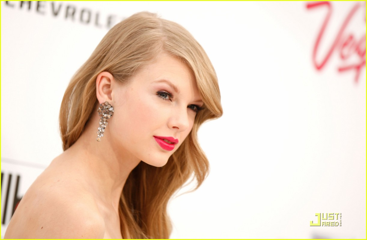 taylor swift billboard awards 11