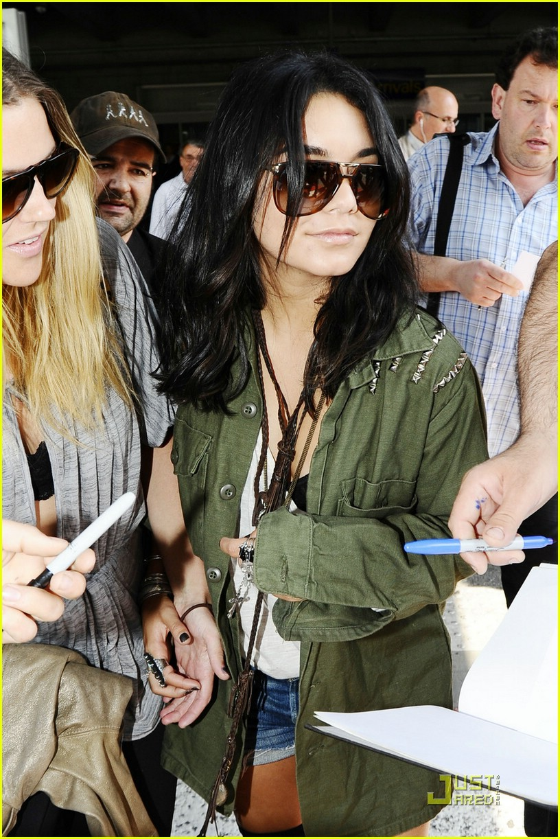 vanessa hudgens nice arrival 07