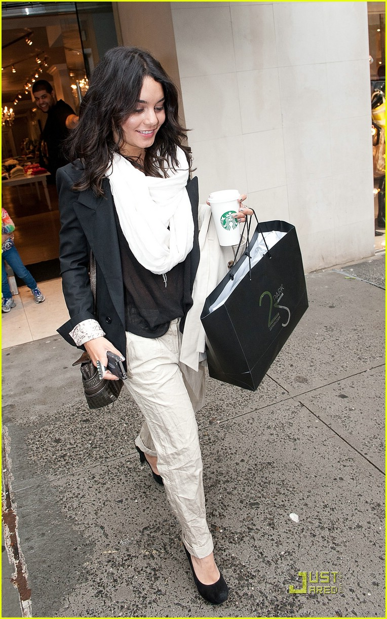 vanessa hudgens svedka shopping 03