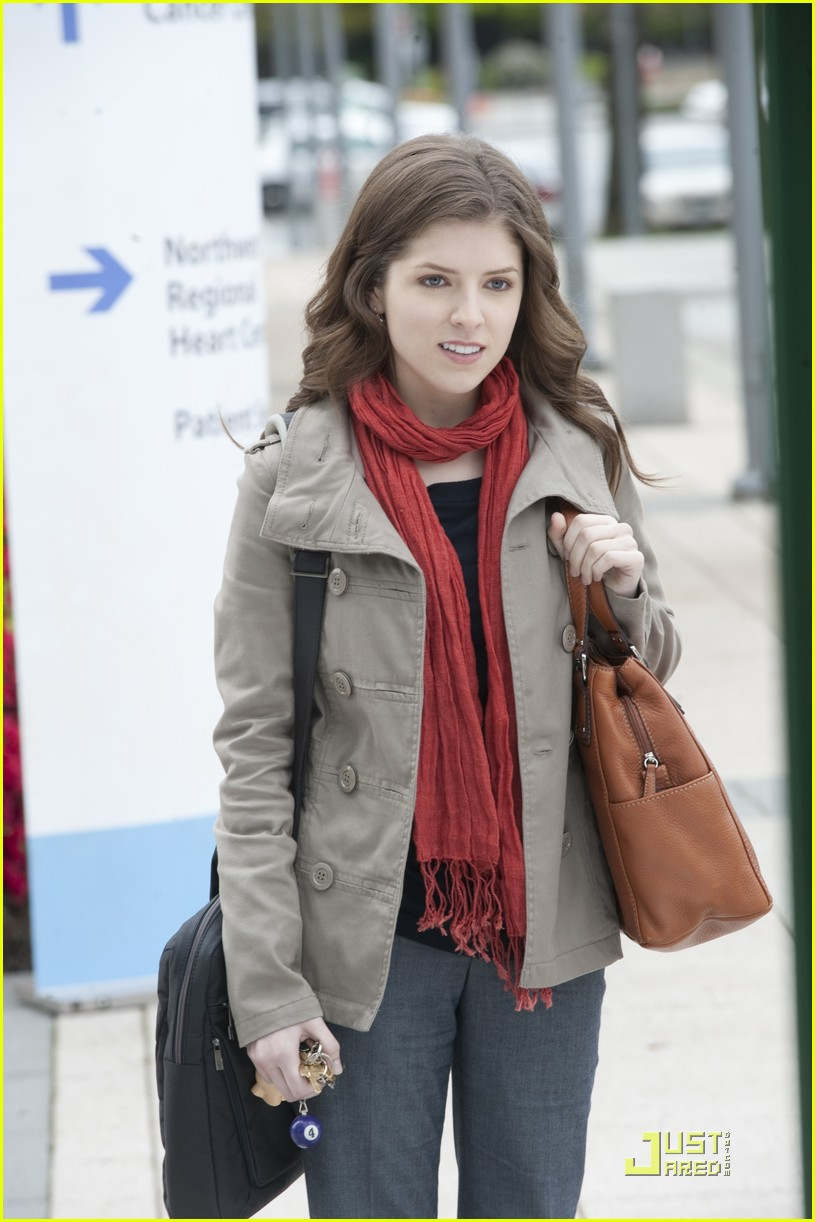 anna kendrick 5050 stills 02