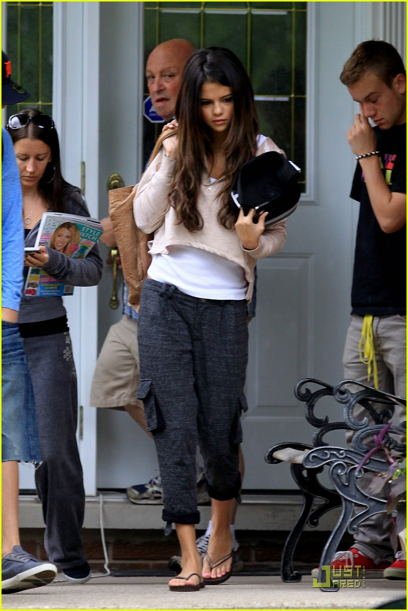 selena gomez justin bieber grandparents houset 02