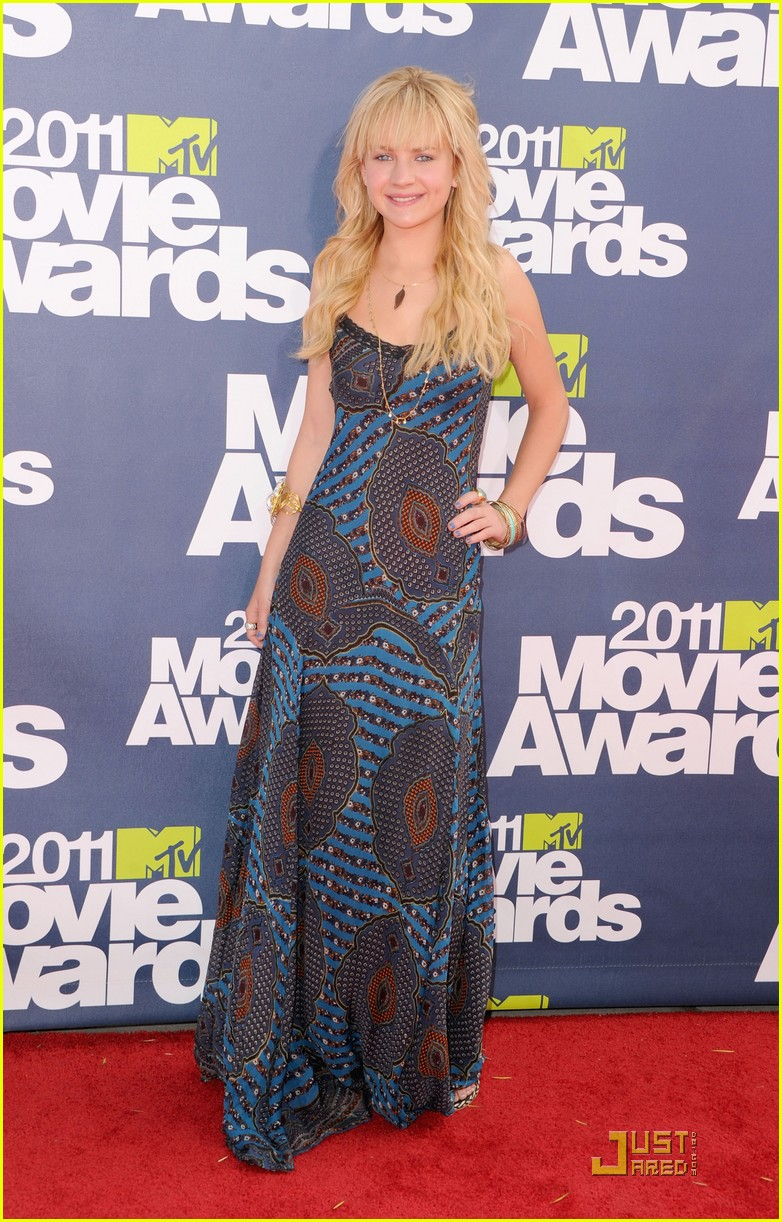 brittany robertson mtv movie awards 03