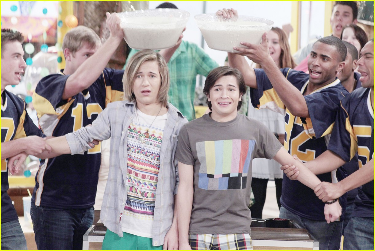 bucket skinner july premiere 01