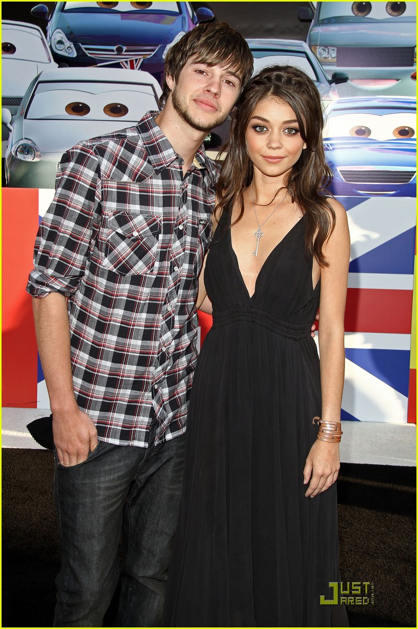 sarah hyland cars premiere 08