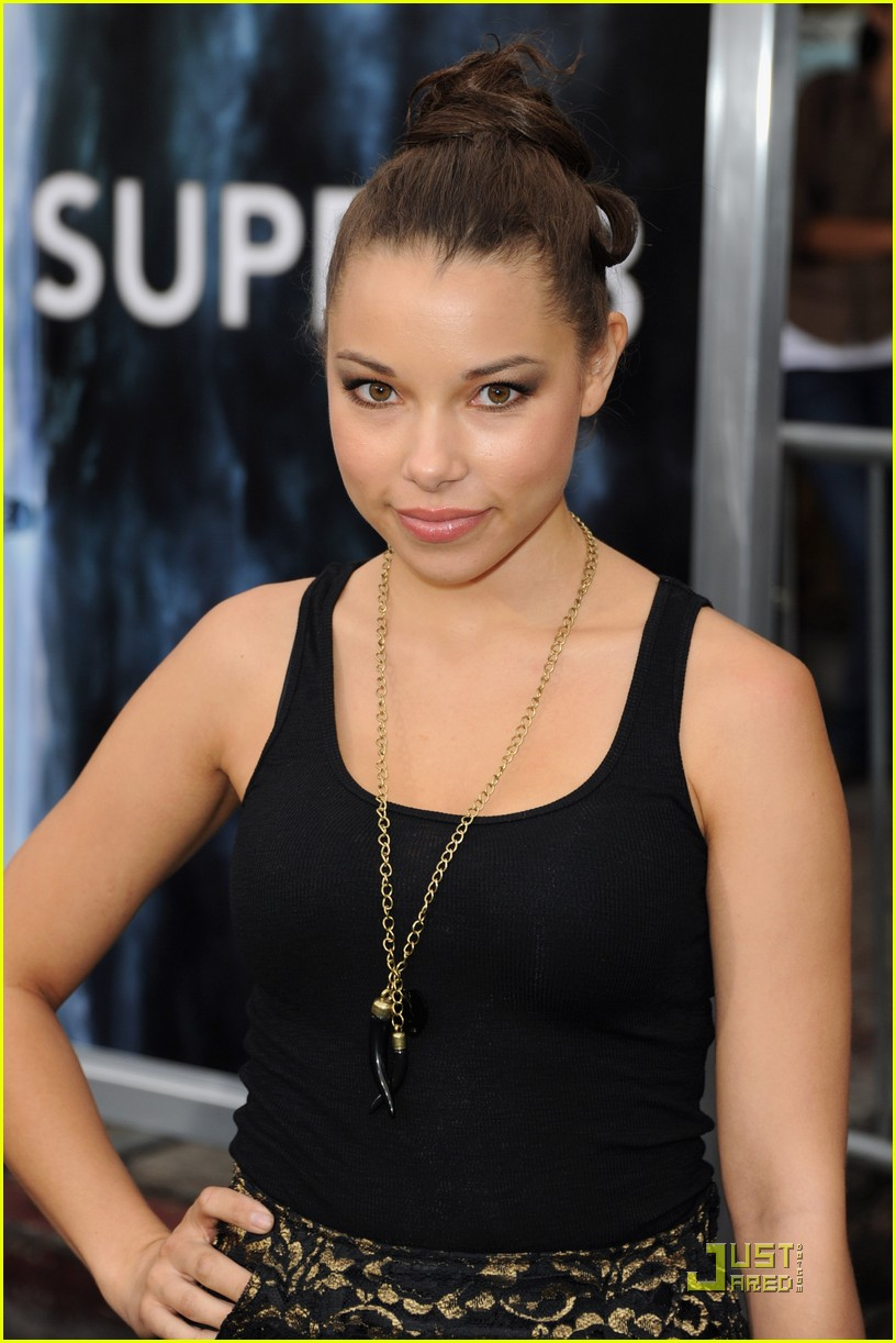 jessica parker kennedy super8 01