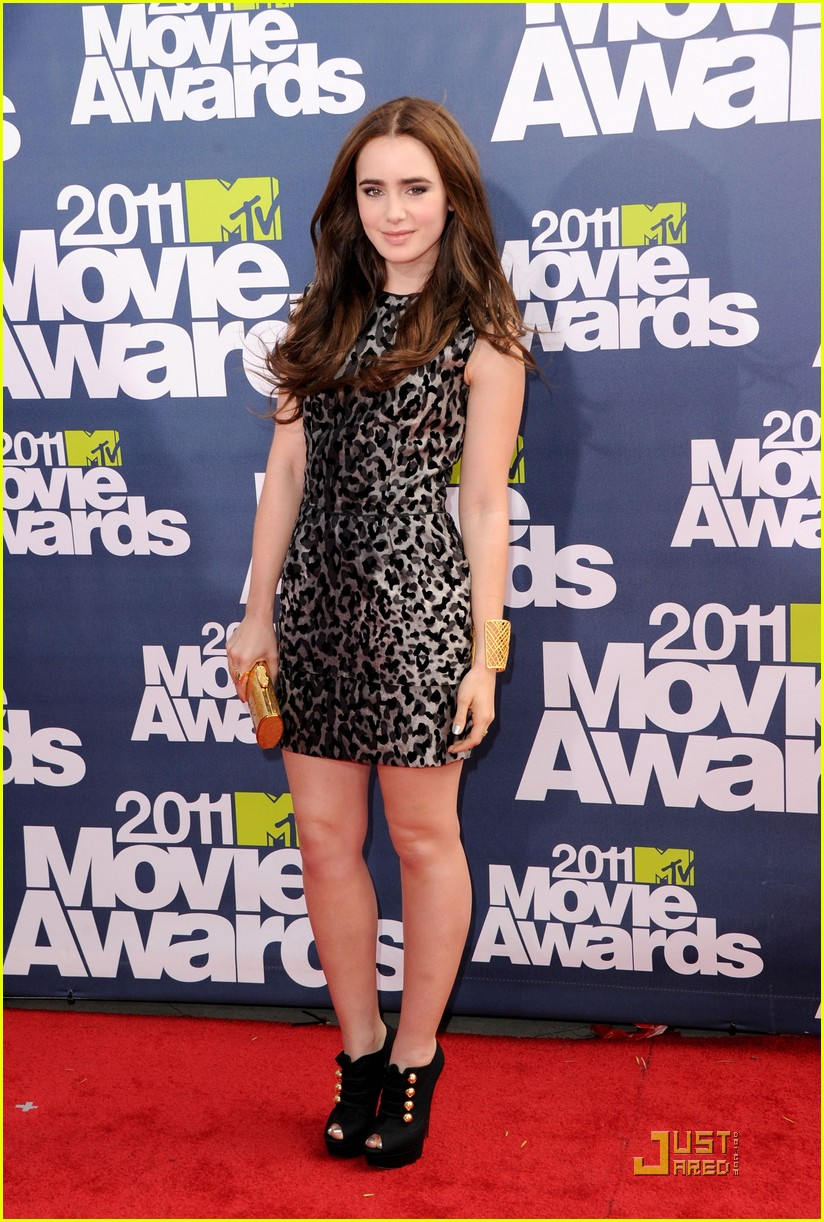 lily collins mtv movie awards 01