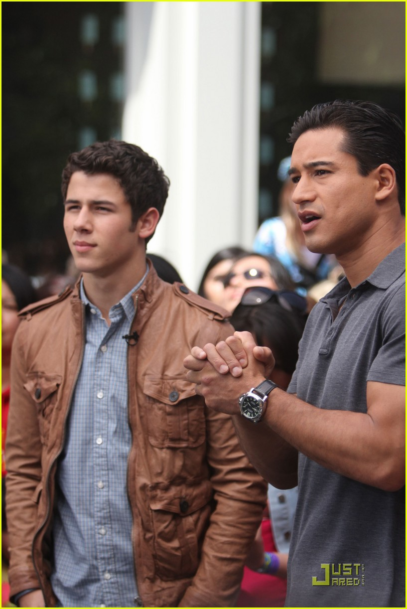nick jonas grove guy 02