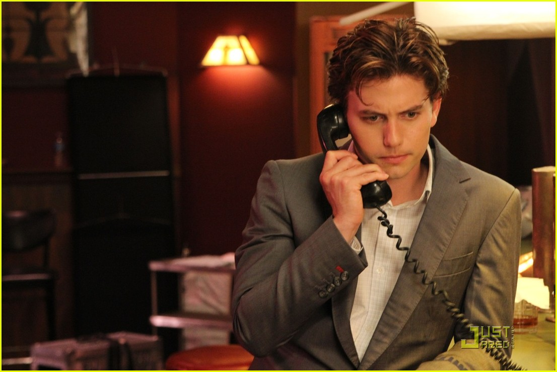 jackson rathbone foxes den stills 09