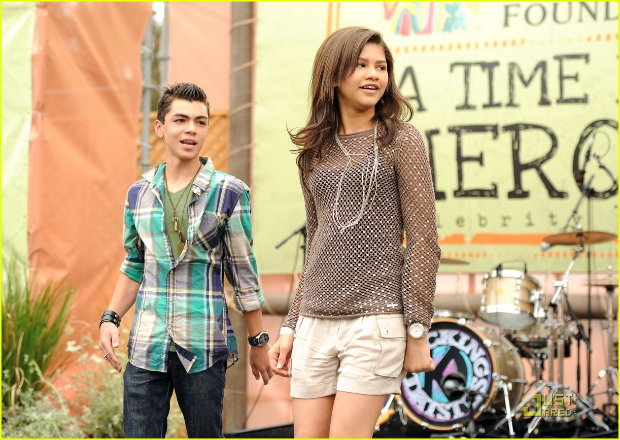 zendaya bella thorne time heroes 06