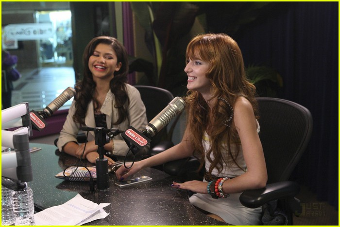 bella zendaya shake up rd 02