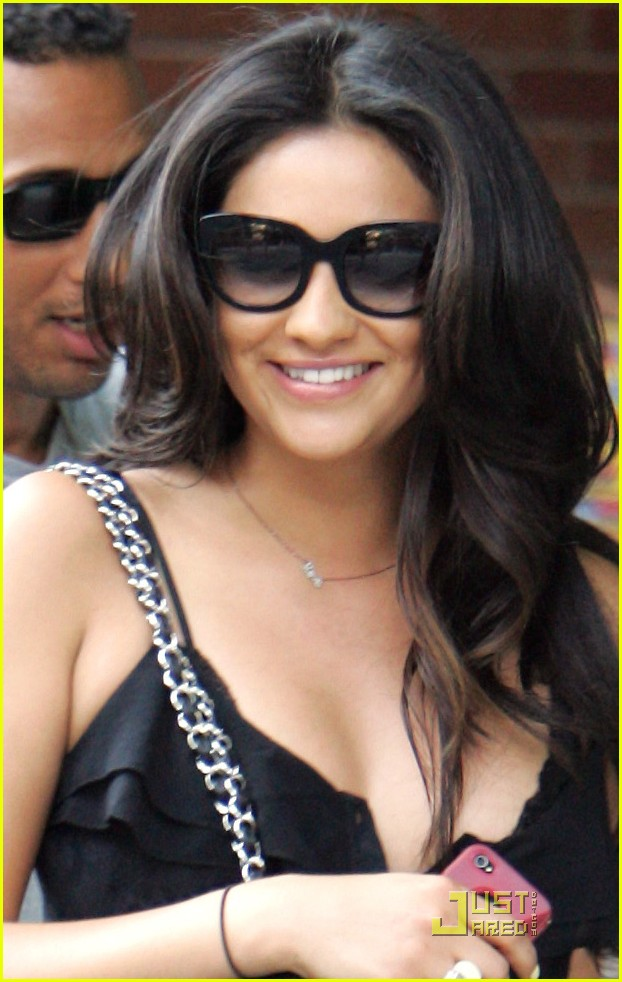 shay mitchell mmva awards 01
