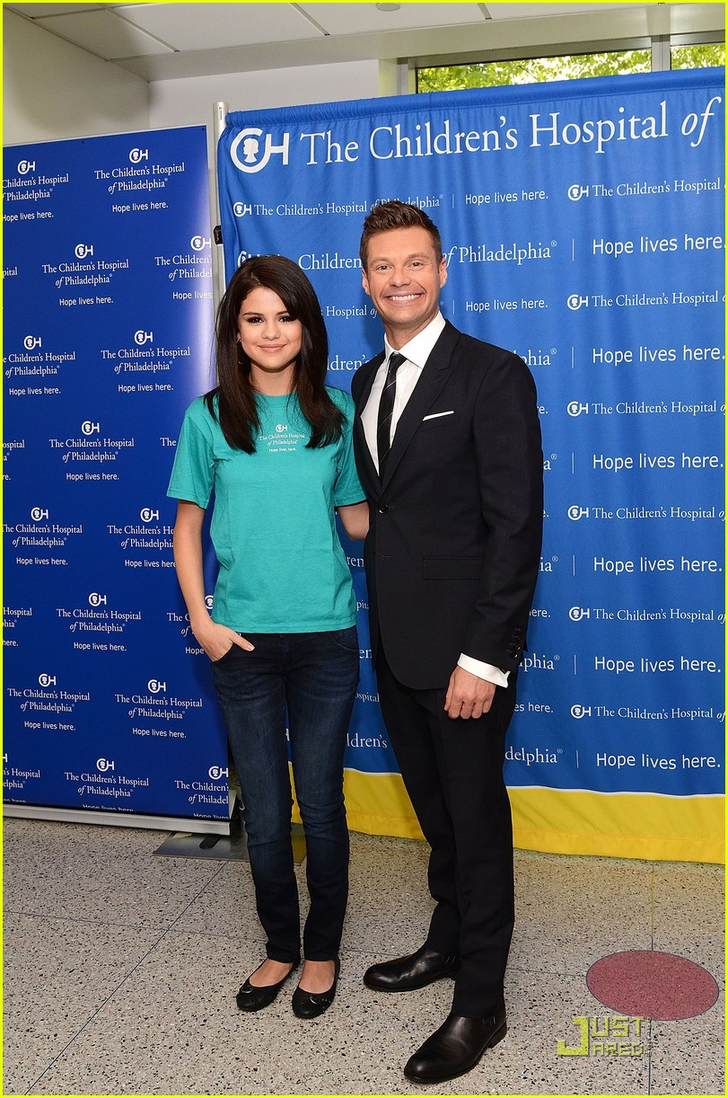selena gomez launches the voice at childrens hospital 03