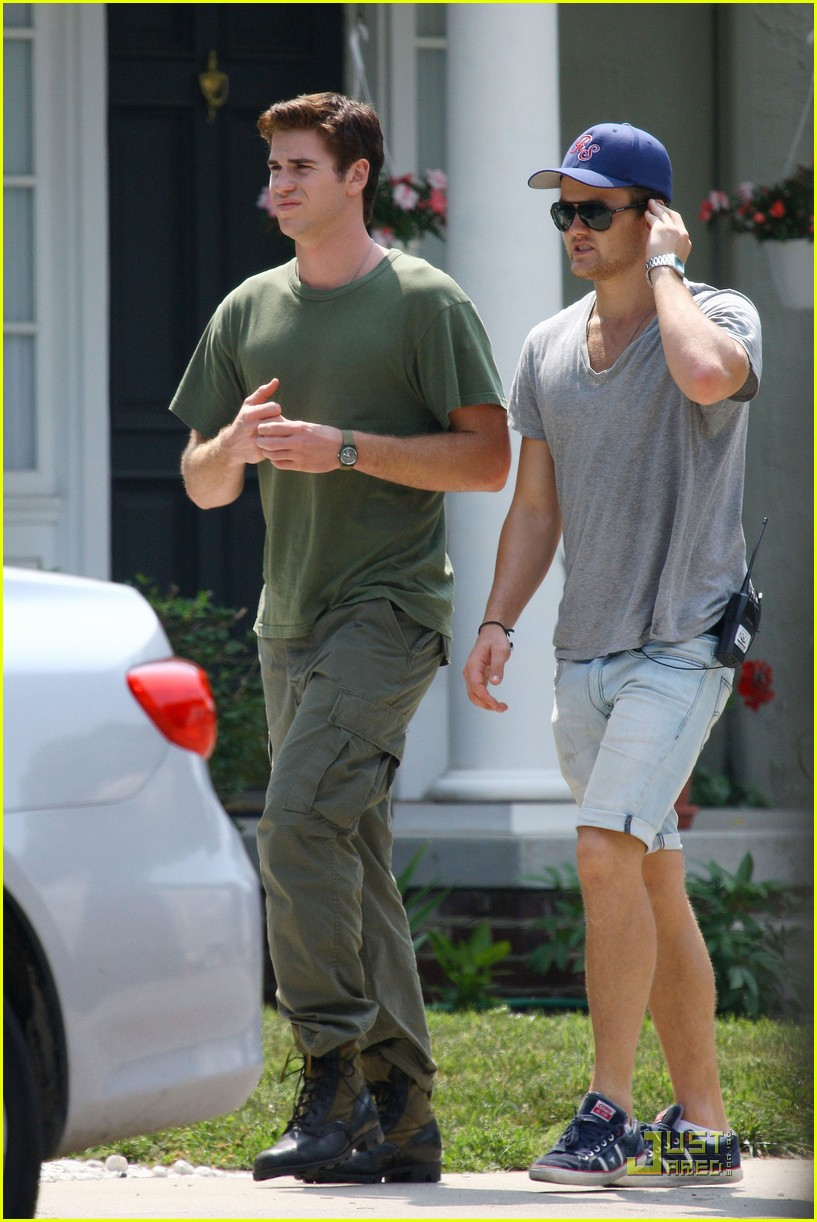 liam hemsworth awol green 08