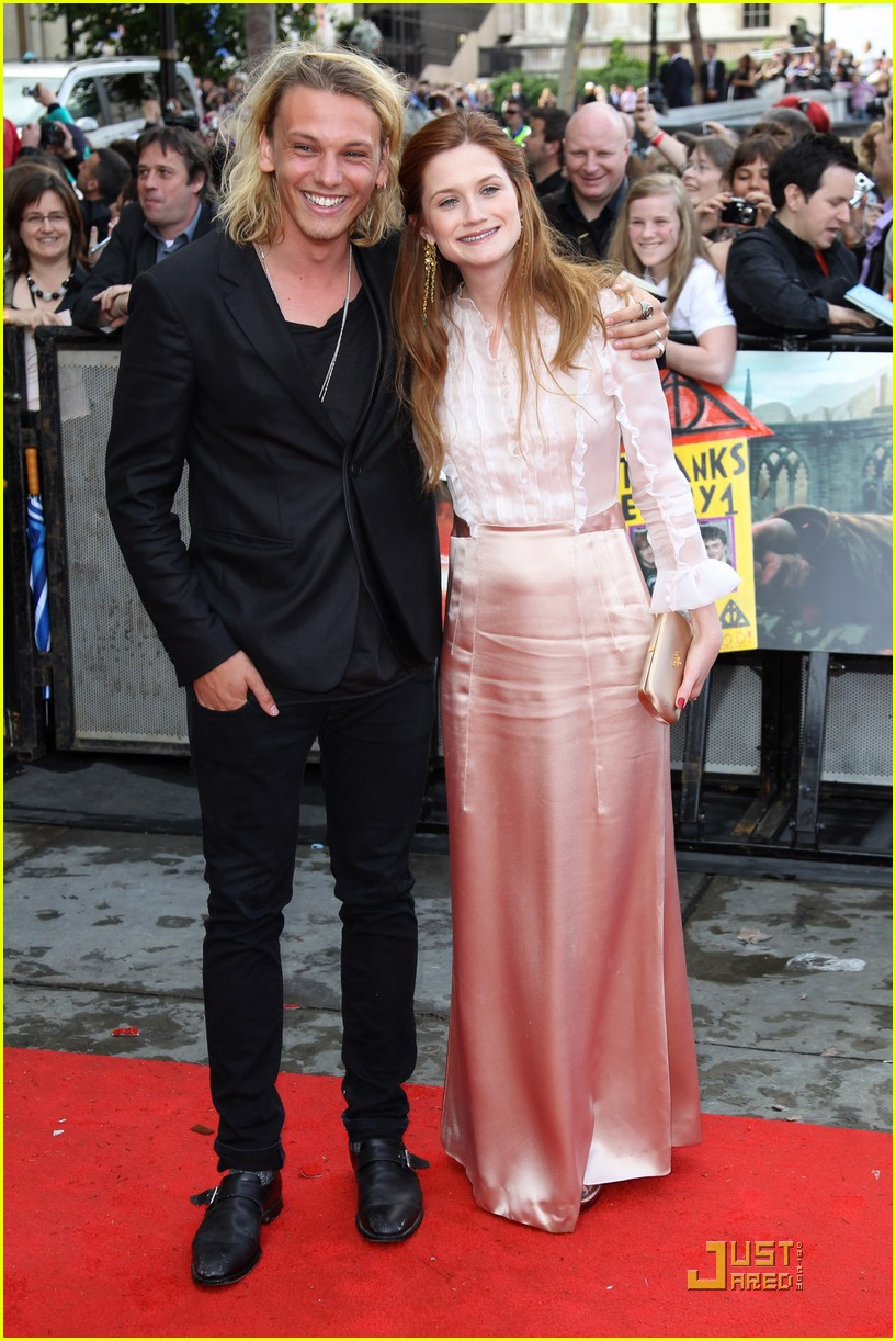 bonnie wright jamie bower hp premiere 02