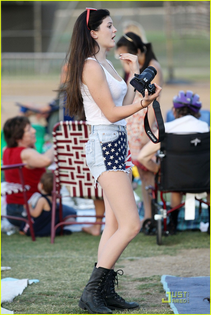 kylie freeman Kylie Jenner 'Hearts' The Fourth of July | Photo 424798 - Photo Gallery |  Just Jared Jr.