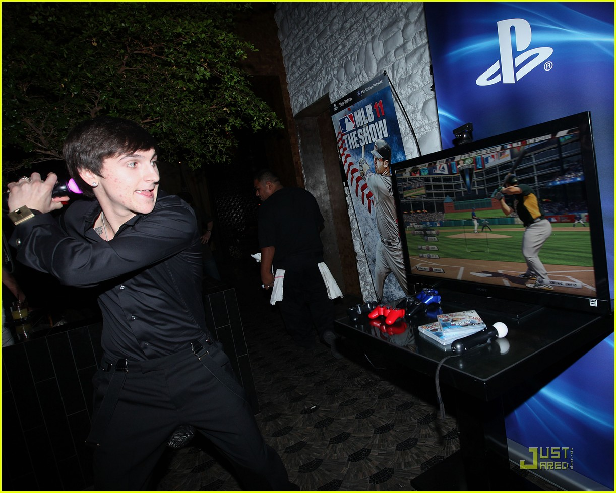 mitchel musso 20th bday 04
