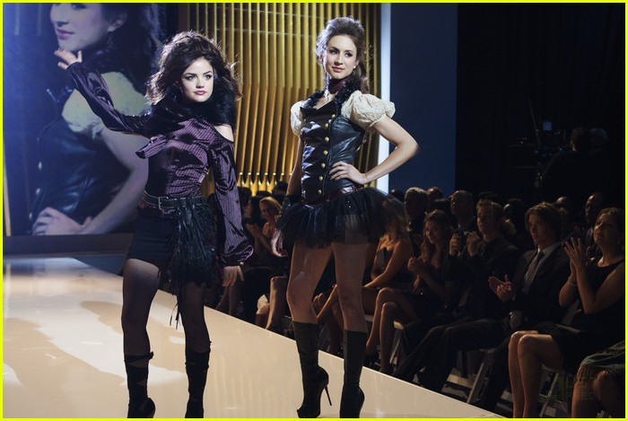 pretty liars fashion show 15