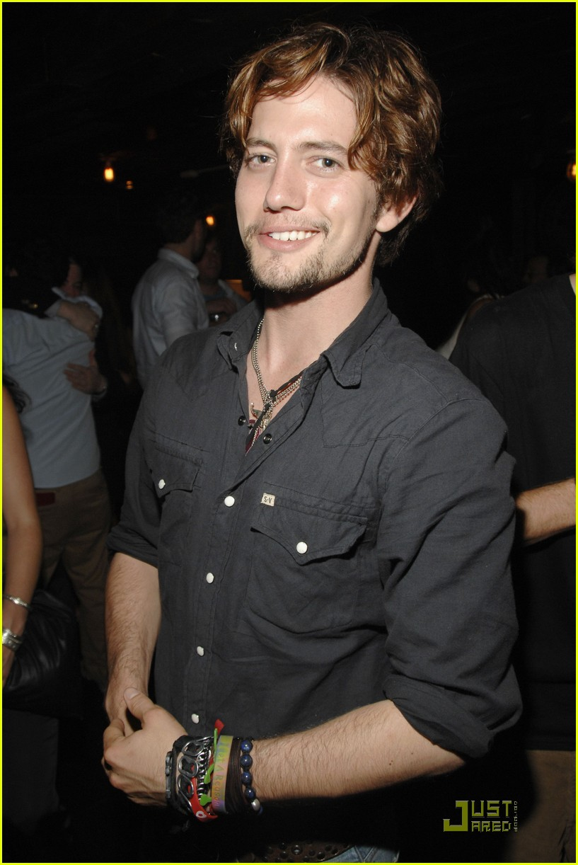 jackson rathbone girlfriend party 03