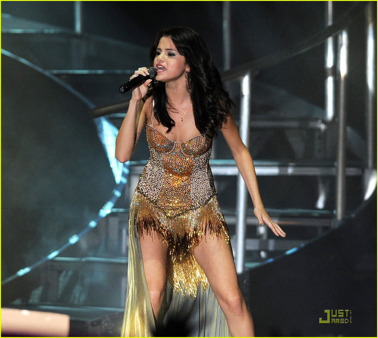 selena gomez opening tour night 22