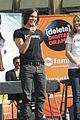 Shay-tyler shay mitchell tyler blackburn rally 01