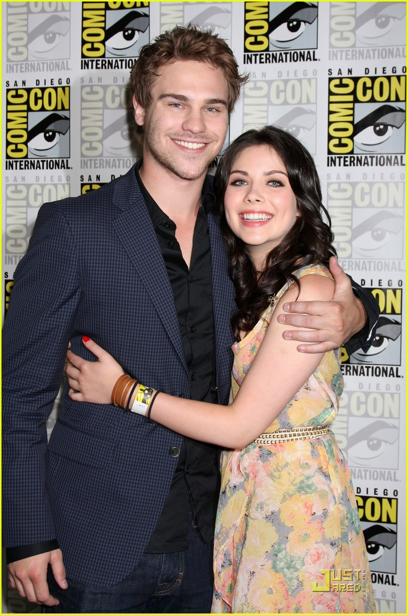 skyler samuels grey damon sdcc 04