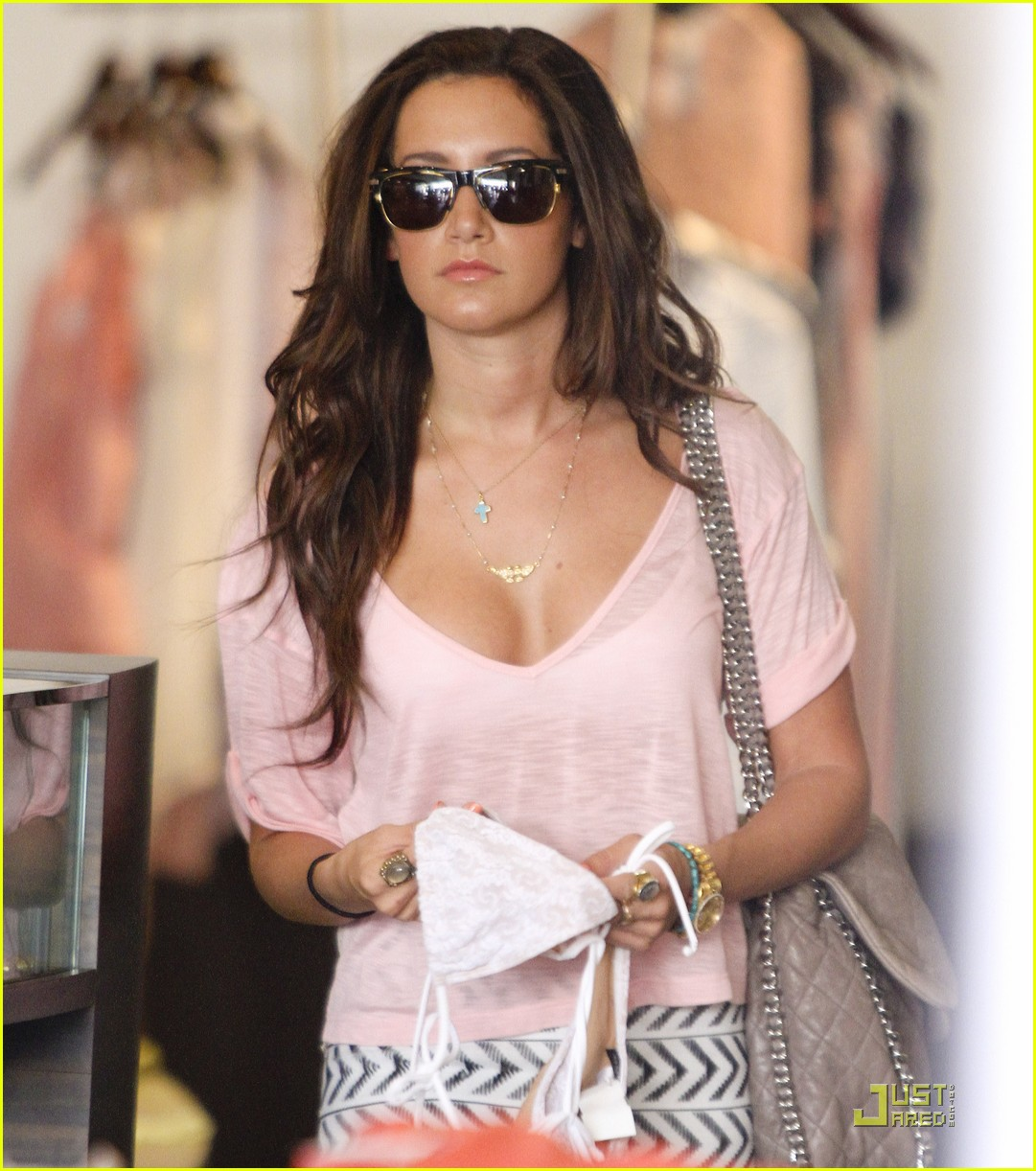 ashley tisdale bday shopping 12