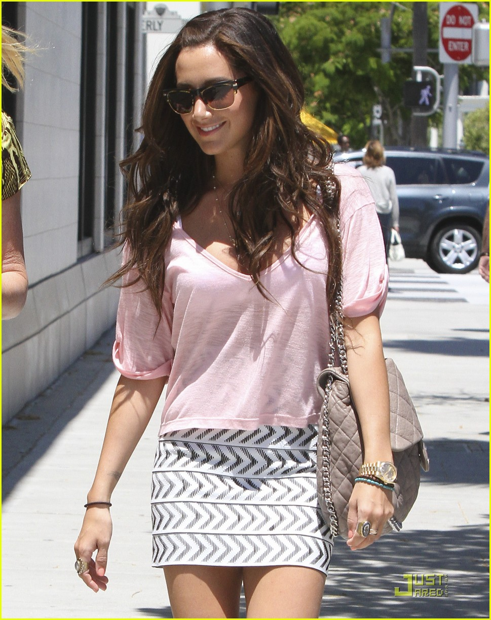 ashley tisdale bday shopping 19