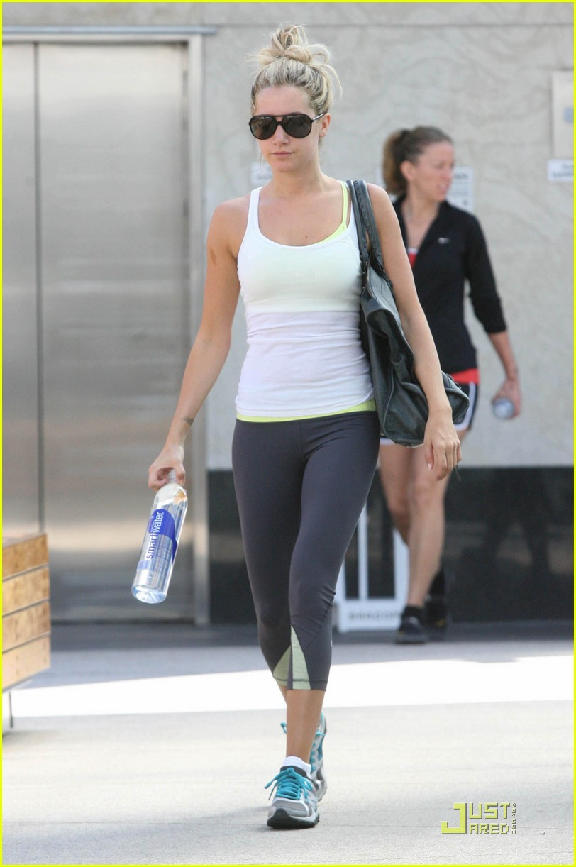 ashley tisdale workout white 10