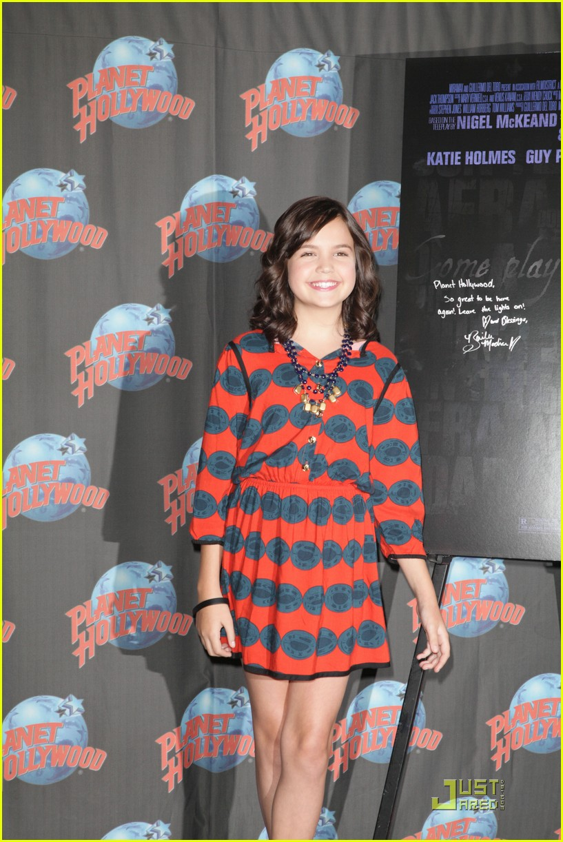 bailee madison afraid dark premiere 18