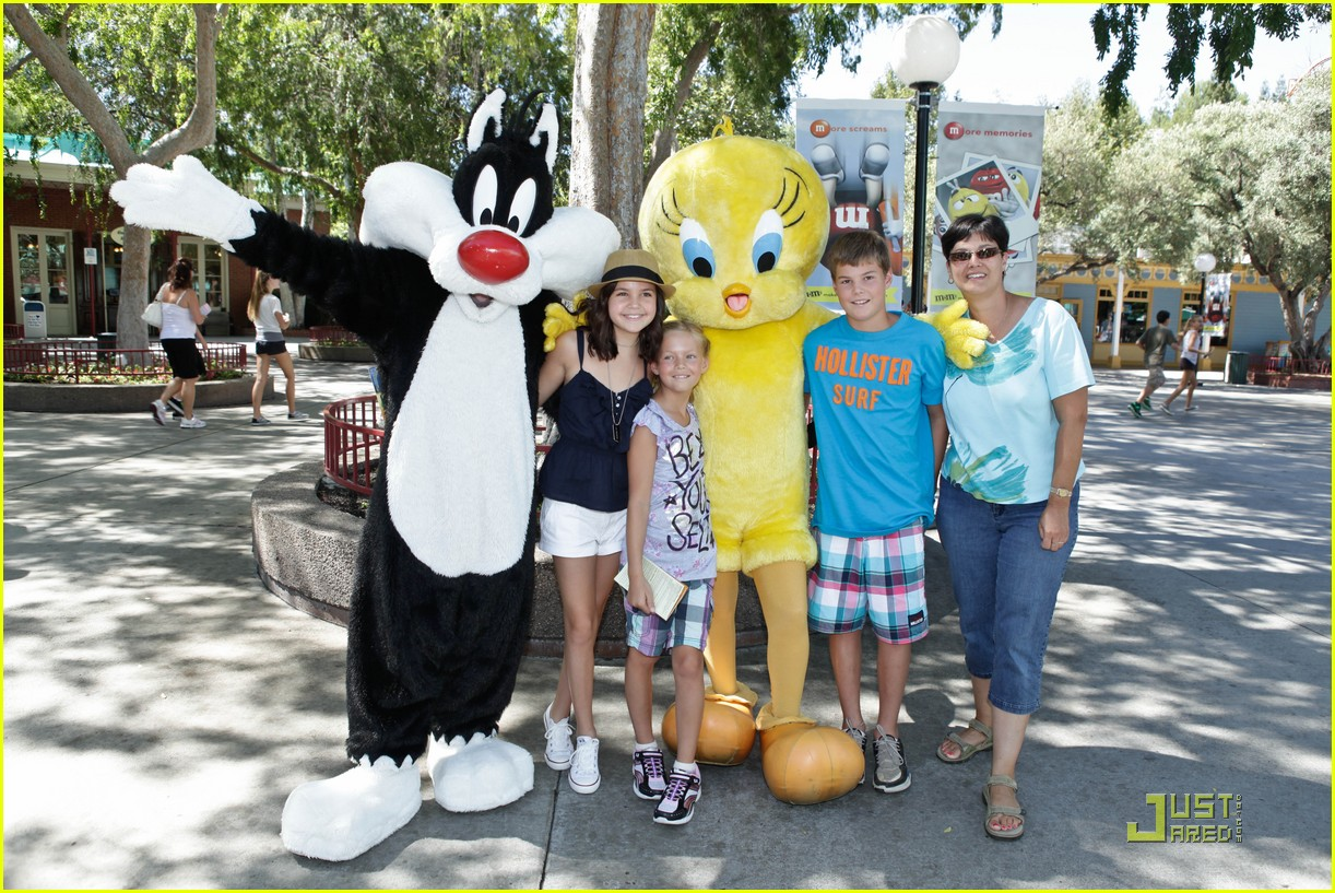 bailee madison six flags fun 21