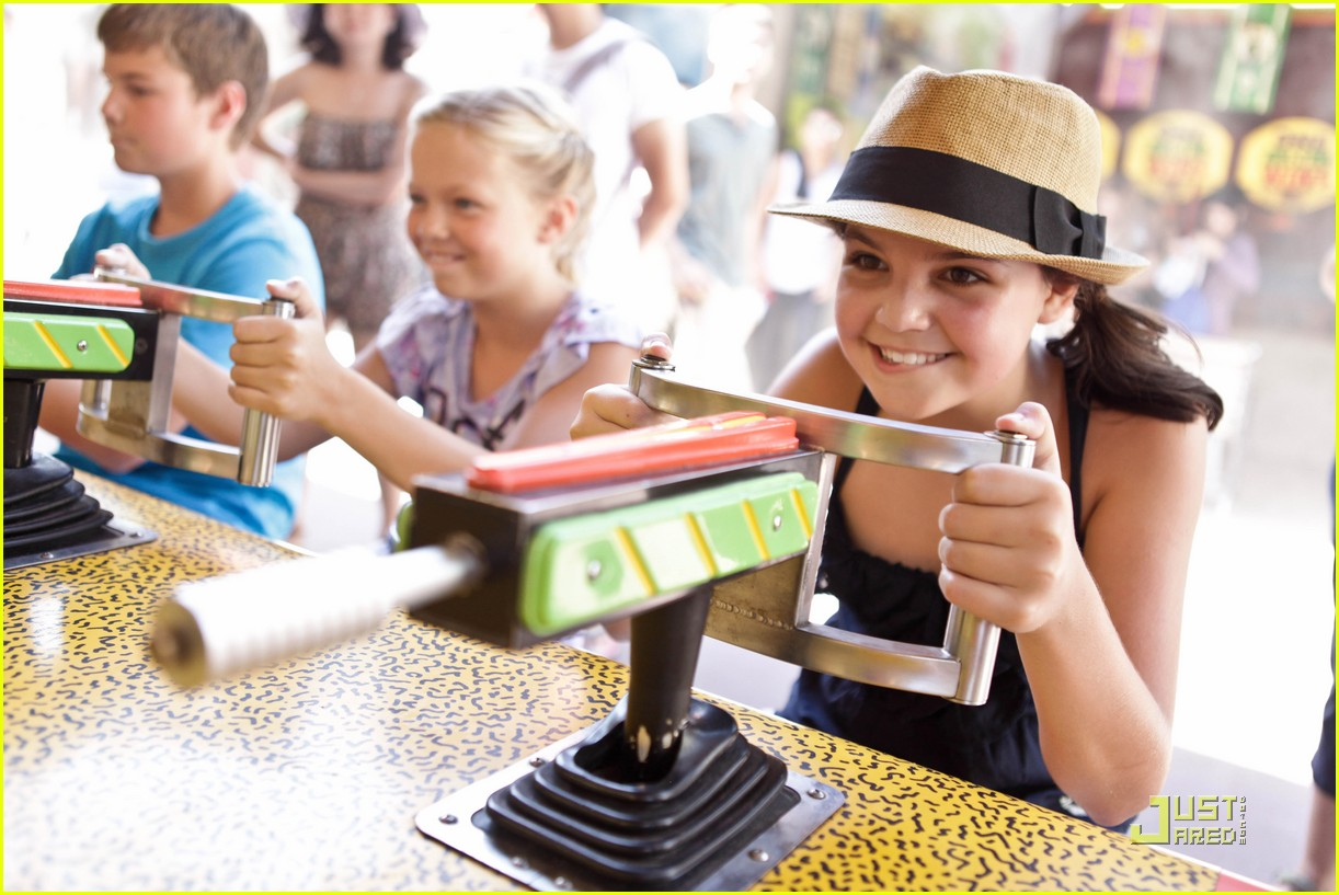 bailee madison six flags fun 33