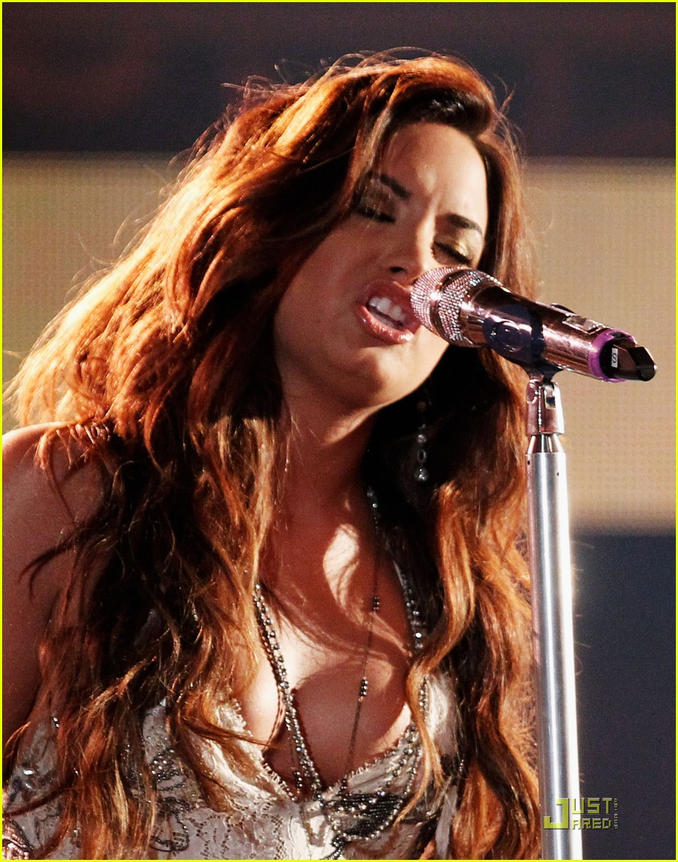 demi lovato do something awards 09