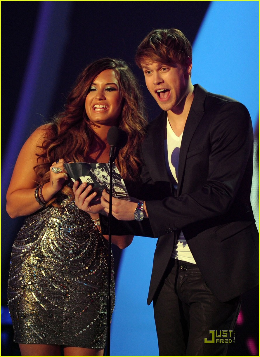 demi lovato joe jonas mvas 15