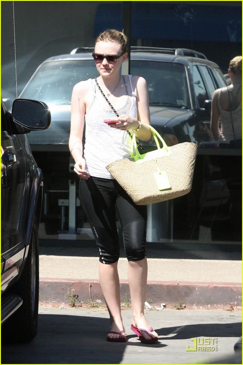 dakota fanning workouts 06