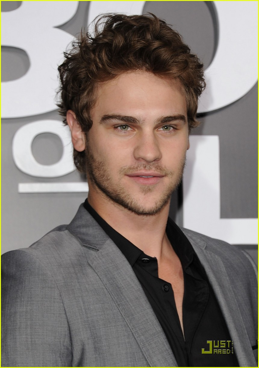 grey damon 30 minutes 05