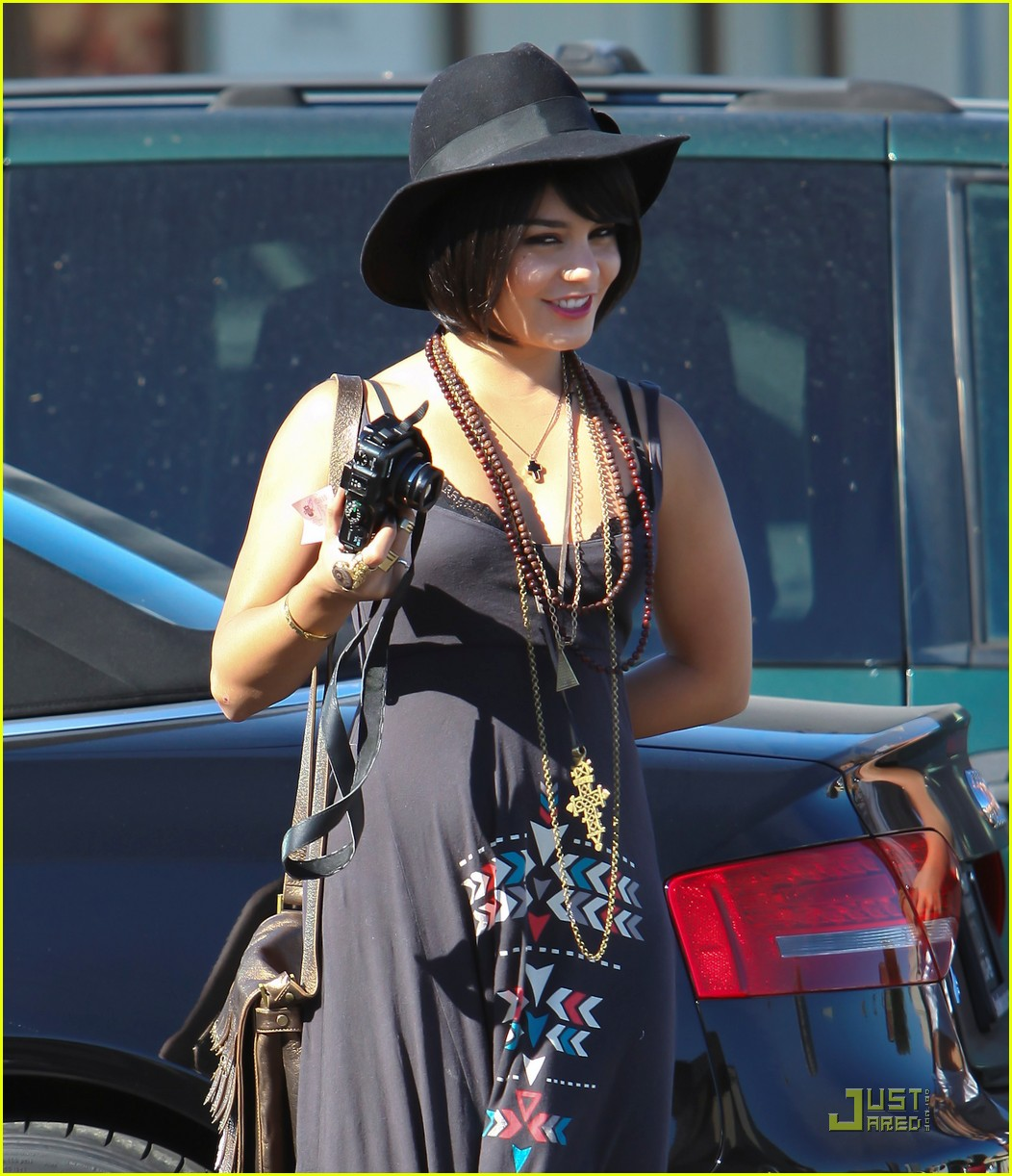 vanessa hudgens stella camera cuties 06