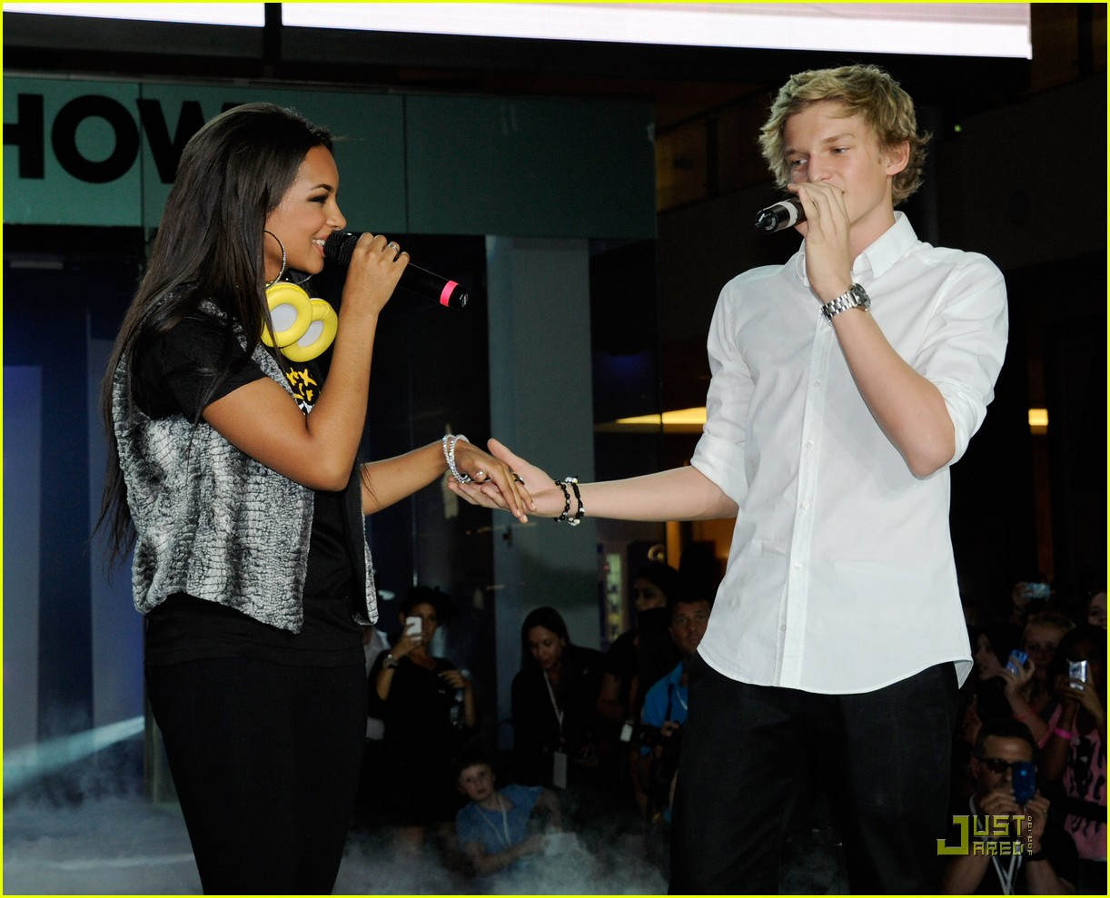 jessica jarrell cody simpson magic 19