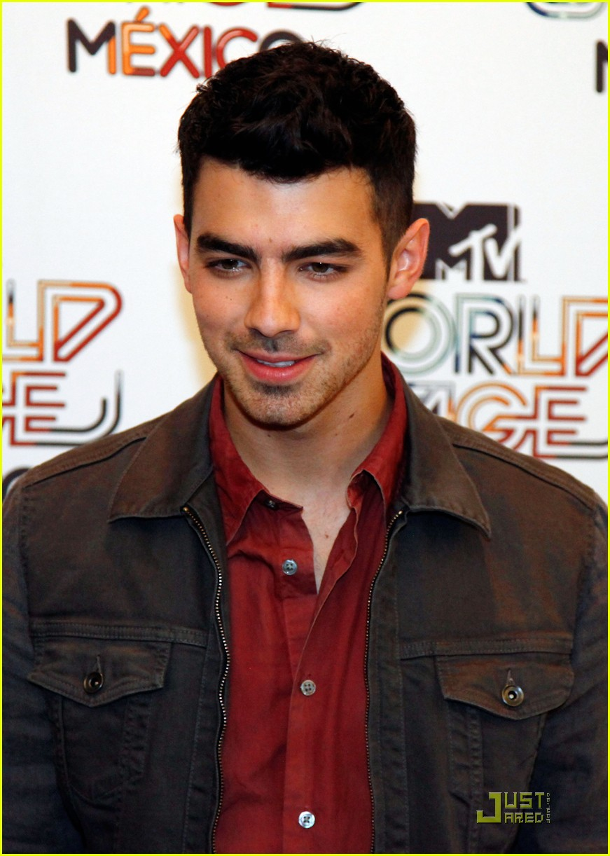 joe jonas mexico city 02