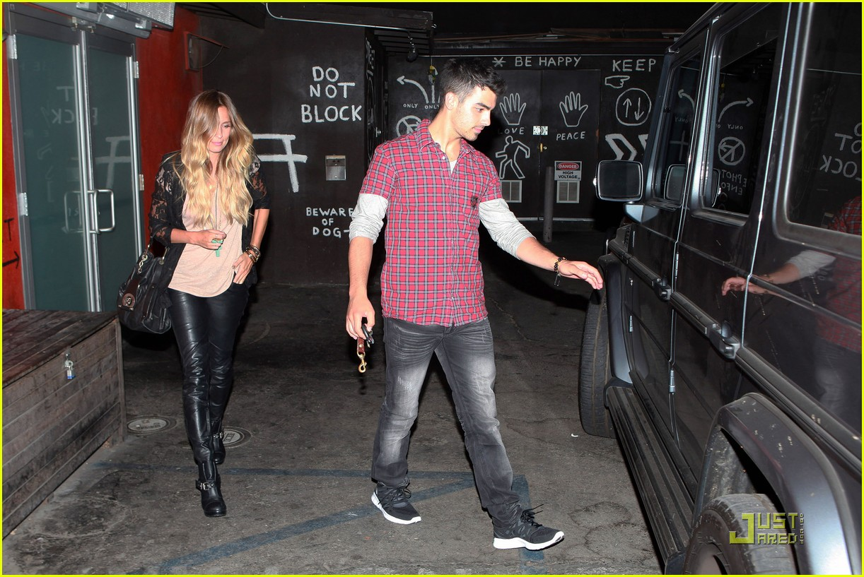 joe jonas susan fenigers dinner 11