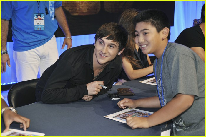 mitchel musso doc shaw kings d23 07