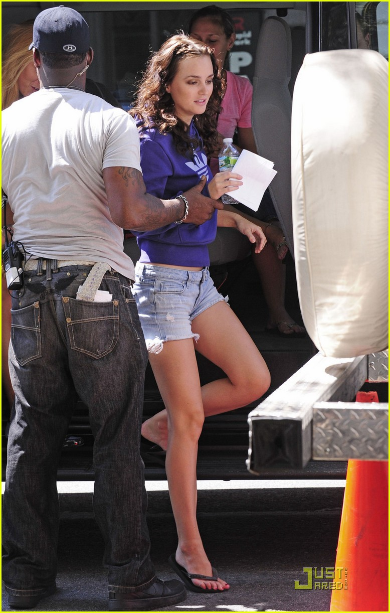 leighton meester gg set 04