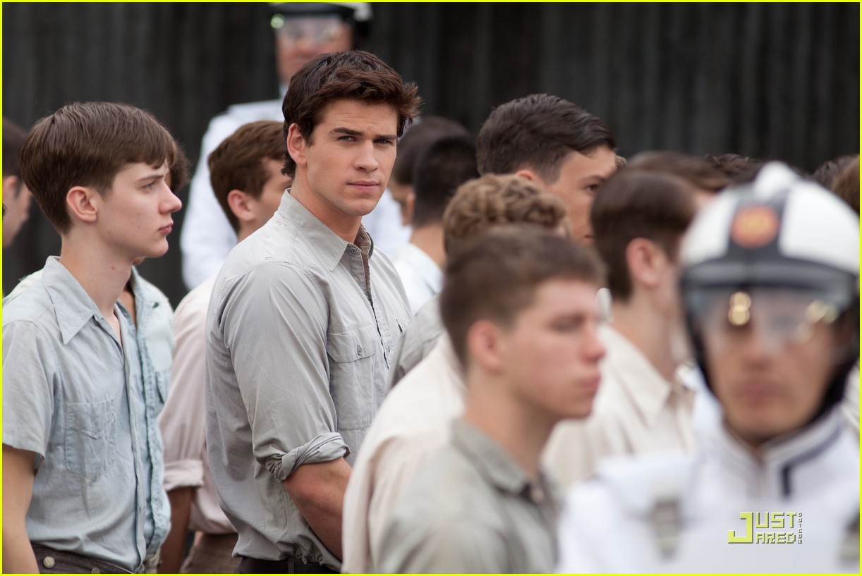 liam hemsworth gale thg 01